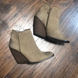 Very volatile wedge booties tan size 6.5